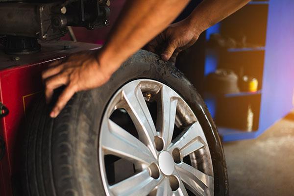 Bild Reifenwechsel - Die Autowerkstatt Ole Klahn GmbH